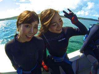 青の洞窟体験ダイビングにご参加の仲良し2人組!!